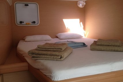 Lagoon 421 for charter in Greece from €3,500 / week