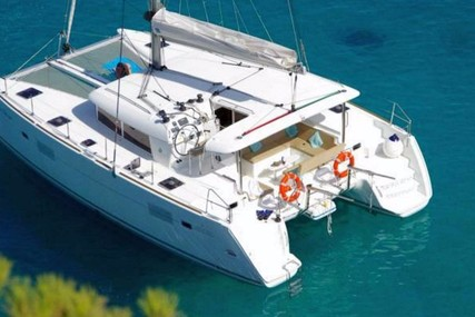 Lagoon 400 for charter in Greece from €3,200 / week