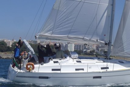 Bavaria Yachts 36 Cruiser for charter in Portugal from €1,850 / week