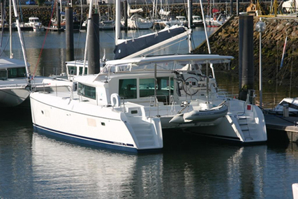 Lagoon 420 for charter in Portugal from €5,500 / week