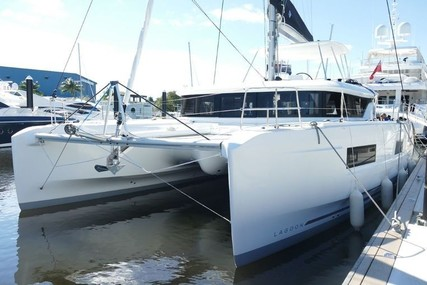 Lagoon 46 for charter in Martinique from €5,500 / week