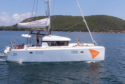 Lagoon 39 for charter in Greece from €2,300 / week