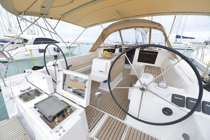 Dufour Yachts Dufour 412 Grand Large for charter in Italy (Tuscany) from €2,400 / week
