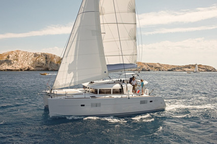 Lagoon 400 S2 for charter in Greece from €2,500 / week