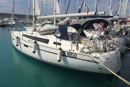 Bavaria Yachts 37 Cruiser for charter in Italy (Tuscany) from €1,450 / week