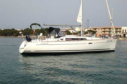 Beneteau Oceanis 37 for charter in Spain (Balearic Islands) from €1,500 / week