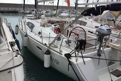 Beneteau Oceanis 43 for charter in Grenada from €2,050 / week