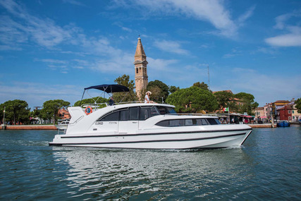 Houseboat Holidays Italia srl Minuetto8+ for charter in Italy from €2,639 / week