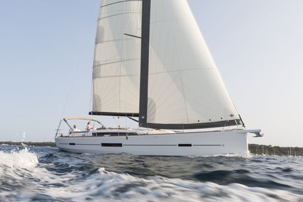 Dufour Yachts 520 GL for charter in Greece from €4,400 / week