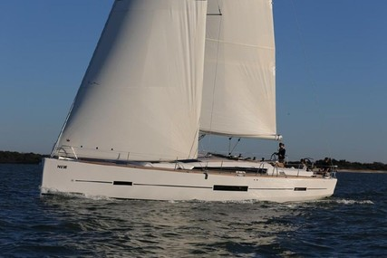 Dufour Yachts 520 GL for charter in Italy (Sicily) from €3,300 / week