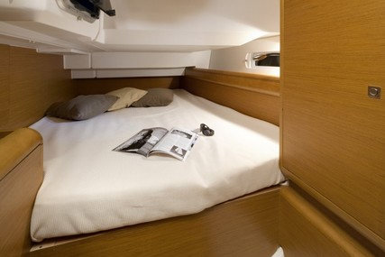 Jeanneau Sun Odyssey 419 for charter in Mexico from $2,450 / week