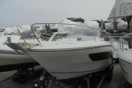 Jeanneau Cap Camarat 7.5 WA for sale in France for €50,000 (£44,422)