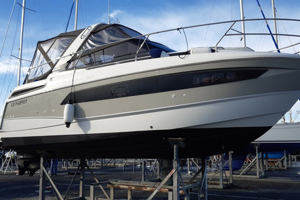 Jeanneau Leader 30 for sale in France for €148,000 (£134,034)