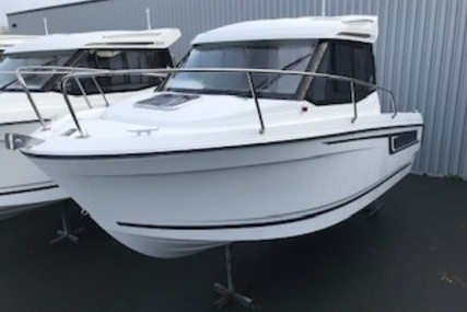 Jeanneau Merry Fisher 605 for sale in France for €32,420 (£28,492)