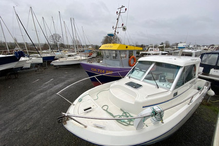 Beneteau Antares 760 for sale in France for €24,000 (£21,680)