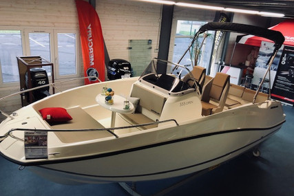 Quicksilver 555 Activ for sale in France for €28,730 (£24,034)