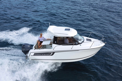 Jeanneau Merry Fisher 605 for sale in France for €39,270 (£34,426)