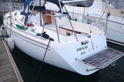 Jeanneau Attalia 32 for sale in France for €21,500 (£19,383)