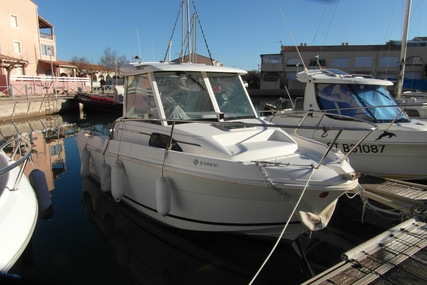 Jeanneau Merry Fisher 580 for sale in France for €12,300 (£10,290)