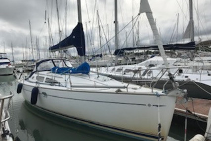 Jeanneau Sun Odyssey 35 for sale in France for €52,000 (£46,854)