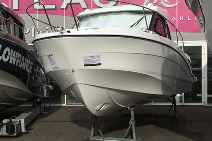Beneteau Antares 8 OB for sale in France for €71,000 (£63,943)