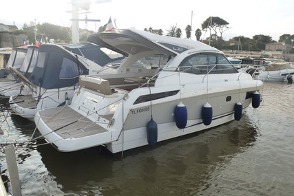 Jeanneau Leader 33 for sale in France for €209,000 (£183,489)