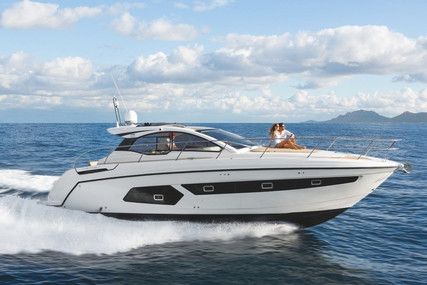 Azimut Yachts 43 S for sale in France for €450,000 (£384,025)