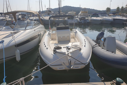 Nuova Jolly 700 for sale in France for €49,000 (£44,083)