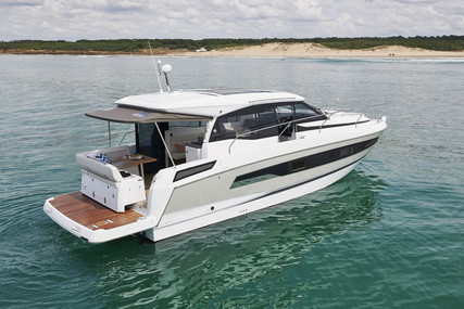 Jeanneau NC 37 for sale in France for €389,000 (£353,501)