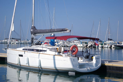 Jeanneau Sun Odyssey 349 for sale in France for €99,000 (£88,738)