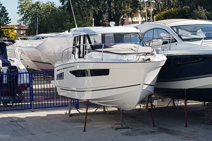 Jeanneau Merry Fisher 895 for sale in France for €145,000 (£127,301)