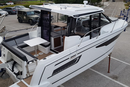Jeanneau Merry Fisher 895 for sale in France for €137,900 (£121,068)