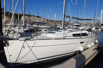 Beneteau Oceanis 34 for sale in France for €71,000 (£59,396)