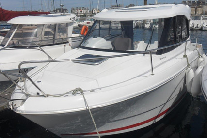 Beneteau Antares 680 HB for sale in France for €33,900 (£30,576)