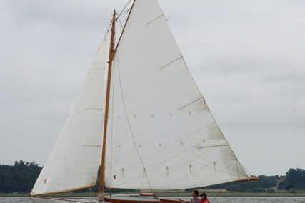 Custom Dark Harbor 17 for sale in United Kingdom for £37,000