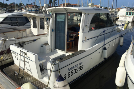 Beneteau Antares 760 for sale in France for €32,500 (£29,095)