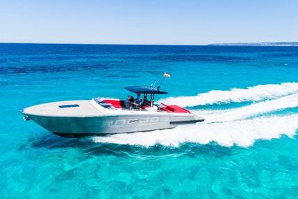 Canados Gladiator 428 for sale in Spain for €419,000 (£376,958)