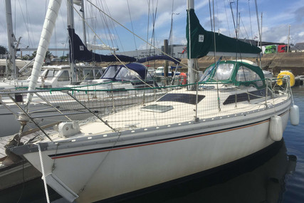 Jeanneau Attalia 32 for sale in France for €26,000 (£22,871)