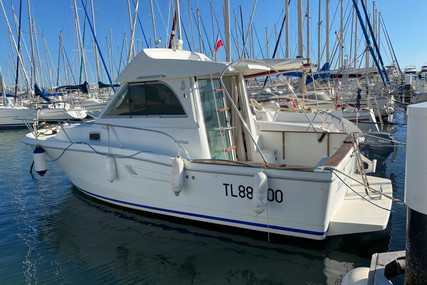 Beneteau Antares Serie 8 for sale in France for €20,000 (£17,934)