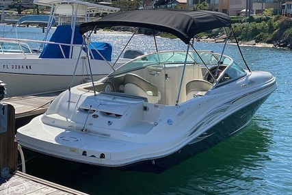 Sea Ray 220 Sundeck for sale in United States of America for $27,800 (£22,470)