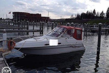 Four Winns 258 Vista Pocket Cruiser for sale in United States of America for $18,500 (£13,268)