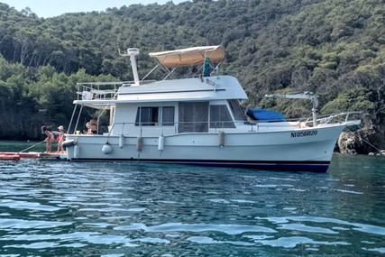 Mainship 400 for sale in France for €170,000 (£152,440)