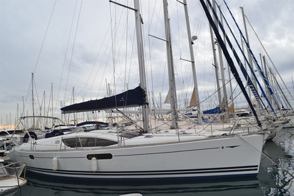 Jeanneau Sun Odyssey 45 DS for sale in France for €149,000 (£133,556)