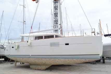 Lagoon 400 S2 for sale in France for €230,000 (£201,627)