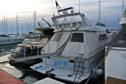 Ferretti Altura 44 S for sale in Italy for €68,000 (£61,241)