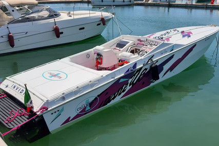 Cigarette 38 Top Gun for sale in Italy for €90,000 (£81,787)