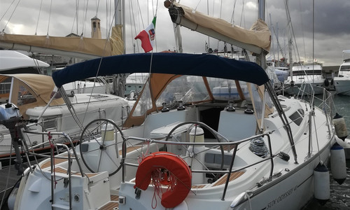 Image of Jeanneau Sun Odyssey 40 for sale in Italy for €79,000 (£71,160) Toscana, Toscana, Italy