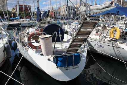 Beneteau First 405 for sale in Italy for €49,000 (£44,151)