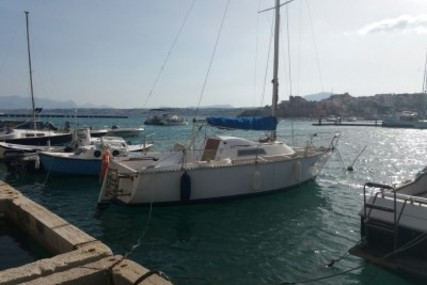 Dufour Yachts 24 for sale in Italy for €6,500 (£5,825)