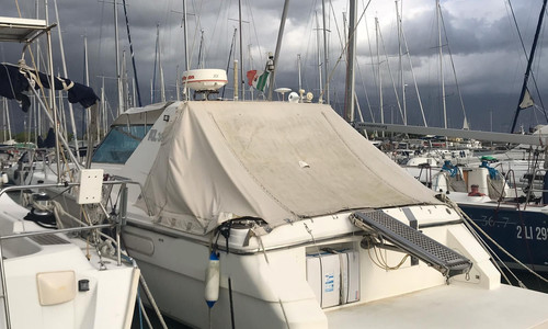 Image of Azimut Yachts 38 for sale in Italy for €38,000 (£34,018) Toscana, Toscana, Italy